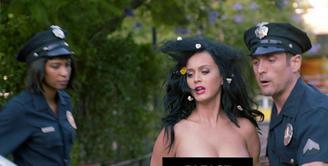 Katy Perry kembali datang dengan aksi baru, sebelumnya ia sempat mengunggah video di akun twitter soal ajakan kepada masyarakat untuk berpartisipasi dalam Pemilihan Presiden Amerikat pada 8 November nanti. (Instagram/katyperry)