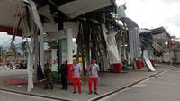 Puting beliung memporakporandakan SPBU di Ambarawa, Semarang. (Foto: Liputan6.com/Istimewa)