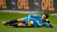 Video highlights penyelamatan krusial yang dilakukan Marwin Hitz di menit akhir laga Hannover vs Augsburg, akhir pekan lalu.