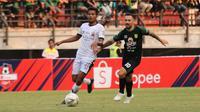 Persebaya Surabaya meraih hasil imbang Madura United 2-2 dalam pekan ke-13 Shopee Liga 1 di Stadion Gelora Bung Tomo, Surabaya, Sabtu (10/8/2019). (Bola.com/Aditya Wany)