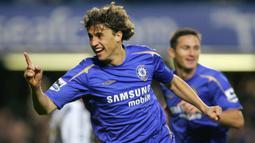 Hernan Crespo berlabuh ke Chelsea pada tahu 2003 silam setelah didatangkan dari Inter Milan seharga 26 juta Euro. Dirinya sukses persembahkan gelar Liga Inggris untuk The Blues. Crespo menghabiskan tiga dari lima musimnya sebagai pemain pinjaman di AC Milan dan Inter Milan. (Foto: AFP/Odd Andersen)