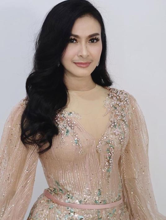 Iis Dahlia (Youtube/Dewi Perssik)