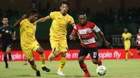 Duel Madura United vs Semen Padang di Stadion Gelora Madura, Pamekasan, Rabu (28/8/2019). (Bola.com/Aditya Wany)