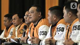 Ketua Panitia Pelaksana Pengukuhan Pengurus DPP Partai Hanura Benny Rhamdani (tengah) didampingi anggota pengurus saat menggelar konferensi pers di Jakarta, Kamis (23/1/2020). Partai Hanura akan menggelar Pengukuhan Pengurus DPP 2019-2024 pada Jumat (24/1/2020). (merdeka.com/Iqbal S. Nugroho)