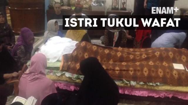 Jenazah Susiana, istri Tukul Arwana disemayamkan di rumah duka di kawasan Cipete, Jakarta Selatan