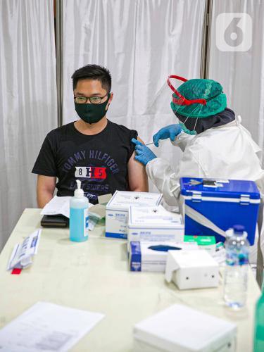 FOTO: Program Vaksinasi COVID-19 Jadi Optimisme Pertumbuhan Ekonomi 2021