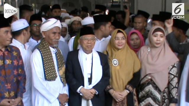 Cawapres Ma'ruf Amin kunjungi sejumlah pondok pesantren dan melakukan ziarah di Lombok, NTB.
