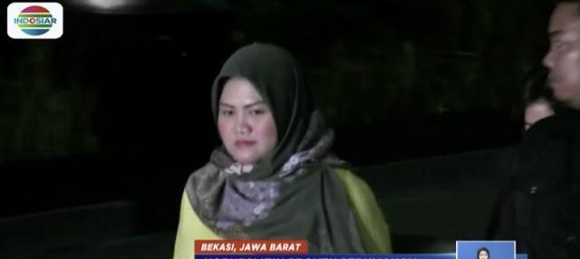 Bupati Bekasi Neneng Hasanah Yasin saat ini masih menjalani pemeriksaan di KPK.