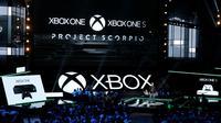 Kepala Microsoft Xbox Phil Spencer saat berbicara dalam Xbox E3 2016, Los Angeles , California , AS , 13 Juni 2016. Sony dan Microsoft sama - sama memperkenalkan jagoan baru mereka untuk para pecinta game dunia.  (REUTERS/Lucy Nicholson)