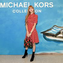 Lisa BLACKPINK saat hadir di Michael Kors Collection Spring 2019 Runway Show, New York, Amerika Serikat. (Larry Busacca / GETTY IMAGES NORTH AMERICA / AFP)