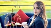 Cerita Anna Silvia, Pramugari Emitates Airlines yang Akan Wakili Indonesia di Miss Elite World 2021. (dok.Instagram @anna.silviaa/https://www.instagram.com/p/CJyZi9rHbhC/Henry)