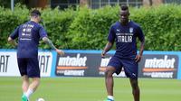 Mario Balotelli kini memiliki kesempatan untuk mengambil tempat dalam skuat Timnas Italia. (Claudio Giovannini/ANSA via AP)
