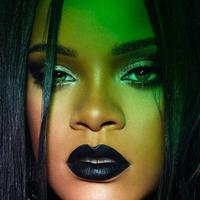 Lipstik hitam Rihanna bisa dijajal untuk konsep Halloween yang modern (instagram/fentybeauty)