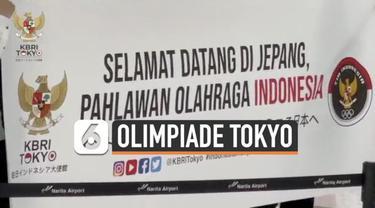 Rombongan tim olimpiade Indonesia tiba di Bandara Narita Tokyo Jepang hari Minggu (18/7). Kedatangan mereka disambut Duta Besar Indonesia untuk Jepang.