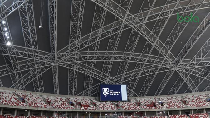 Tribune Stadion Nasional Singapura yang berkapasitan 55 ribu penonton. Stadion ini juga menjadi venue konser musisi dunia, seperti Madonna, Coldplay, hingga Maroon 5. (Bola.com/Muhammad Iqbal Ichsan)