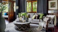 Ruang keluarga rumah kayu karya Michael Lauw Studio. (dok. Arsitag.com/Dinny Mutiah)