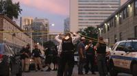 Aksi rusuh dan penjarahan terjadi di Chicago, Amerika Serikat pada dini hari Senin, 10 Agustus 2020. (Jose M. Osorio / Chicago Tribune melalui AP)