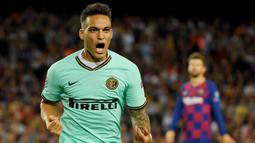 2. Lautaro Martinez – Pemain berusia 22 tahun ini adalah striker andalan di Inter Milan. Berkat penampilan apiknya untuk klub dan negaranya, Ia digadang-gadang menjadi penerus Lionel Messi. (AFP/Lluis Gene)