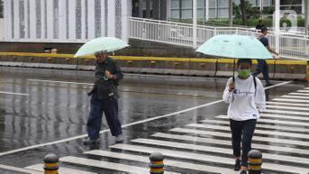 Cuaca Hari Ini Senin 27 September 2021: Hujan Guyur Jabodetabek Siang Nanti