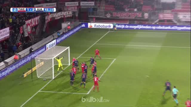 Berita video gol-gol indah yang tercipta pada laga Eredivisie 2017-2018, Twente vs Ajax. This video presented by BallBall.