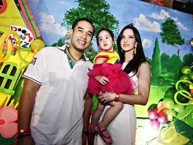 Mikhayla Zalindra Bakrie, putri pasangan Nia Ramadhani dan Ardie Bakrie genap berusia 2 tahun pada Kamis (5/6) hari ini (Liputan6.com/Faizal Fanani)