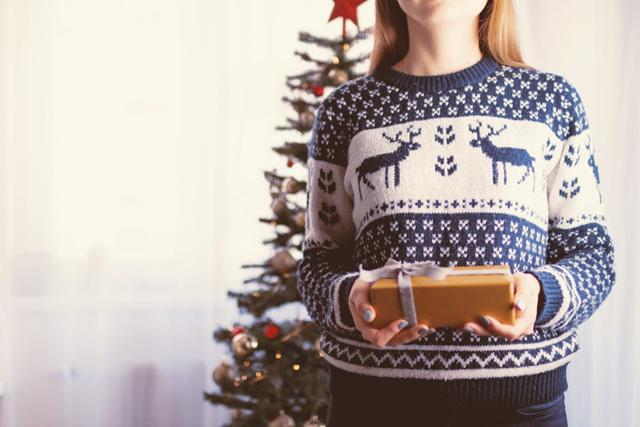 Kado Natal itu pun digunakan untuk tahun baru./Copyright pexels.com