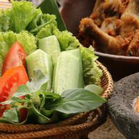 Manfaat Sayur Lalapan, dari Antanan sampai Pohpohan (ariyani Tedjo/Shutterstock)