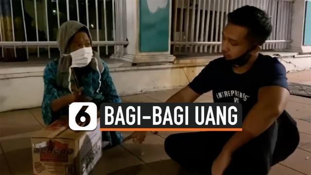 Heboh beredar video aksi pemuda dan temannya bagi-bagi uang yang disimpan di dalam kardus mie instan. Aksi ini disebut-sebut sebagai balasan atas aksi youtuber yang sempat bagi kardus sembako berisi sampah.