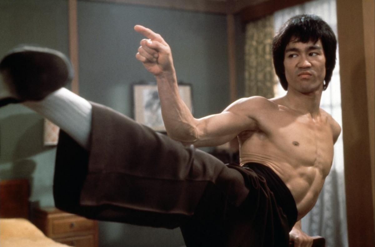Bercerita tentang duel Bruce Lee dengan Wong Jack Man, jago kungfu di kawasan pecinan San Fransisco tahun 1965.