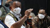 Ketua Satgas COVID-19 Ganip Warsito memberikan arahan saat melakukan peninjauan RS Lapangan Ijen Boulevard di Kota Malang, Jawa Timur, Jumat (11/6/2021). (Badan Nasional Penanggulangan Bencana/BNPB)