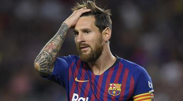 Lionel Messi saat ini menyandang status bebas transfer. Kontraknya dengan Barcelona sudah selesai pada 30 Juni 2021 kemarin. Jika tak ada pembaruan ikatan kerja, Messi bisa pergi secara cuma-cuma. Selain dirinya, berikut 5 pemain bintang yang berlabel gratisan. (Foto: AFP/Lluis Gene)