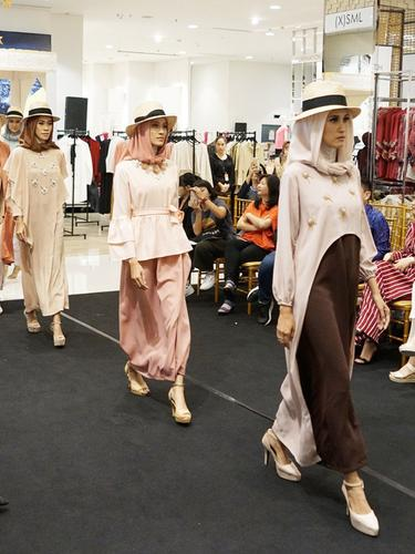 Memesona dengan Modest Fashion, Petik Inspirasinya di Sini