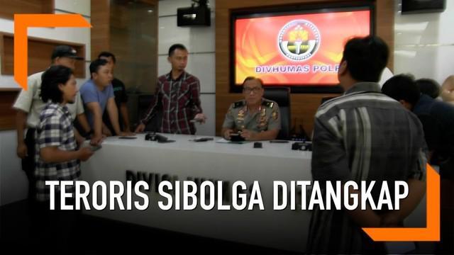 Densus 88 tangkap terduga teroris di Berau, Kalimantan Timur. Terduga adalah anggota kelompok teroris Sibolga yang coba rencanakan penyerangan pada polisi.