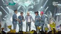 Big Bang yang memesona saat tampil dalam M!Countdown membawakan lagu terbarunya We Love 2 Party.