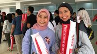 Shafira Dwita(kiri) bersama sang kakak rela datang ke Jakarta demi melepas Liliyana Natsir. (Bola.com/Benediktus Gerendo Pradigdo)