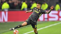 Manchester City siap menggelontorkan dana sebesar 50 juta poundsterling (Rp 2,7 triliun) untuk mengamankan jasa bek Juventus, Joao Cancelo. (AFP/Emanuel Dunand)