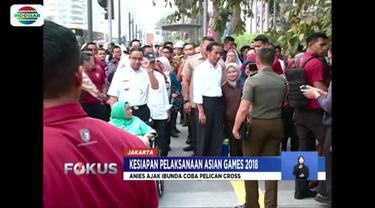 Jokowi juga sempat mencoba pelican cross di kawasan Bunderan Hotel Indonesia.
