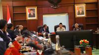 Menteri Agama Lukman Hakim Saifuddin menerima Wakil Dirjen Imigrasi Kerajaan Arab Saudi Khaled Al Aloteibi, di Kantor Kementerian Agama, di Jakarta, Senin (8/4/2019). Dok Kemenag/Rusydi