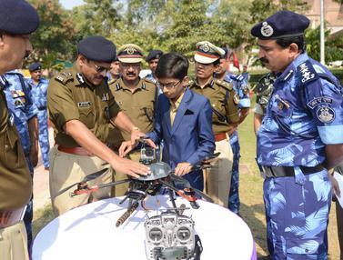 20170115-Remaja India 14 Tahun Ciptakan Drone Anti Ranjau-India