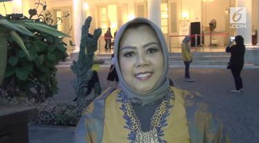 Anna Mariana turut meriahkan Jakarnaval 2018 dengan busana yang cetar membahana dan dipakai oleh none cantik Jakarta Selatan.