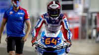 Pembalap Pertamina Mandalika SAG Team, Bo Bendsneyder saat mengikuti Moto2 Qatar 2021. (Dokumentasi Pertamina Mandalika SAG Team)