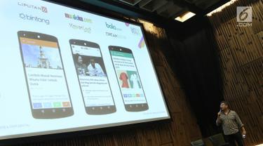 CEO KapanLagi Youniverse (KLY), Steve Christian memberi penjelasan saat perkenalan One App dan KLY TV di SCTV TOWER, Jakarta, Senin (12/11). Perkenalan ke karayawan KLY tersebut ditandakan dengan pemotongan tumpeng. (Liputan6.com/Herman Zakharia)