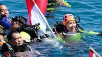 Kapolri dan sejumlah jenderal ikut memecahkan rekor dunia selam di Manado. (Liputan6.com/Yoseph Ikanubun)