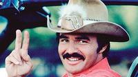 Burt Reynolds (Instagram: @pinkshabbyshed)