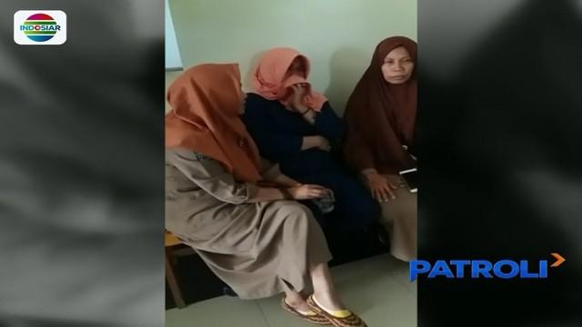 Seorang perawat di RSU Polewali Mandar mengamuk saat diancam pemecatan. Padahal dirinya telah mengabdi sebagai tenaga honorer selama belasan tahun dengan gaji Rp100 ribu per bulan.