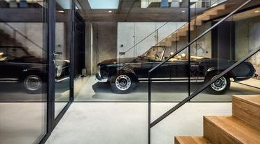 garasi mobil di rumah