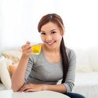 Manfaat minum air madu hangat./Copyright shutterstock.com/g/leungchopan