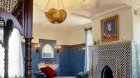 Jika Anda menyukai gaya Timur Tengah seperti Maroko, Anda bisa membawanya ke dalam rumah dengan mengubah beberapa perabotan...