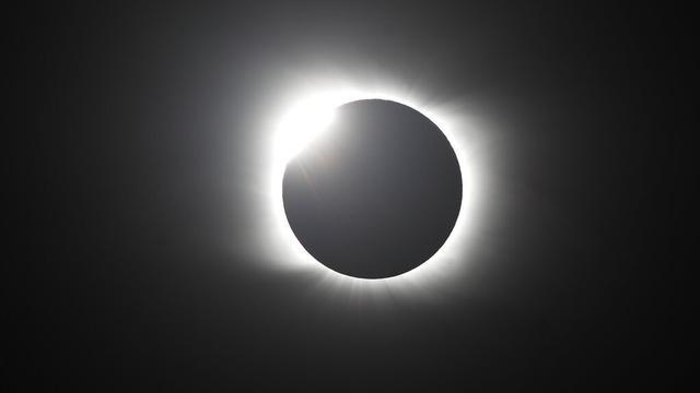 FOTO: Penampakan Gerhana Matahari Total di Argentina