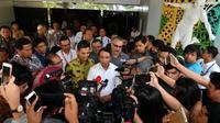 Menteri Pemuda dan Olahraga (Menpora) Zainudin Amali tiba di Kemenpora, Jakarta setelah dilantik Presiden Joko Widodo, Rabu (23/10).